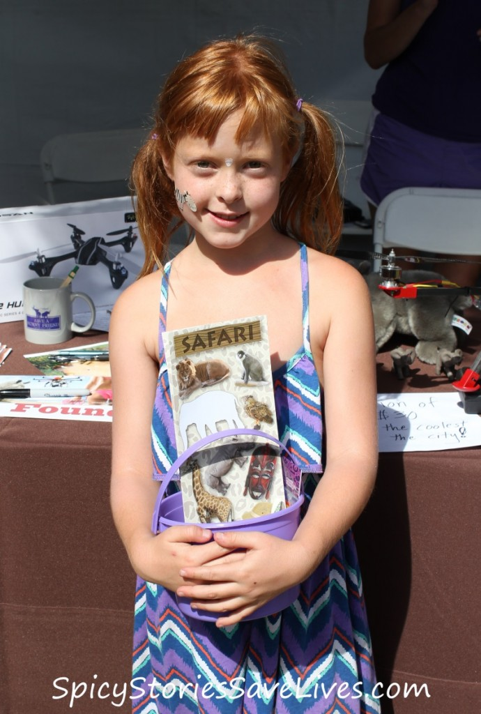Inspirational Earth Day moment: Earnest little girl gathers donations to save wildlife